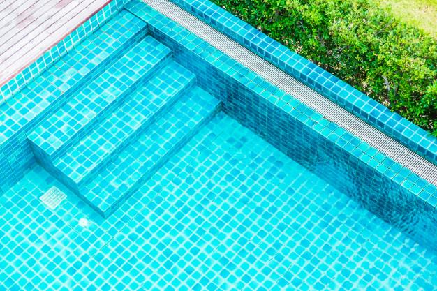 Reparar grietas en la piscina
